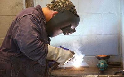 Do Welders need electrical safety training?